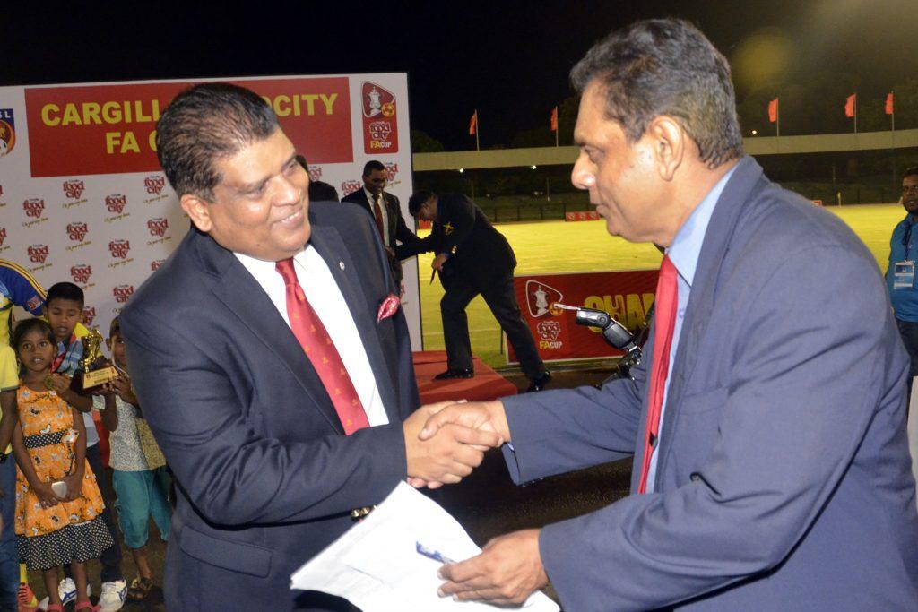 Sri lanka sports news greeting maj gen shaveendra silva greeting maj gen shaveendra silva adjutant general sri lanka army m4hsunfo